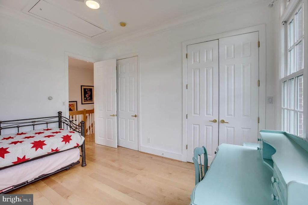 Bedroom - 317 CROWN VIEW DR, ALEXANDRIA