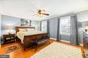 Light & Large Owner's Bedroom Suite - 16 MCPHERSON CIR, STERLING