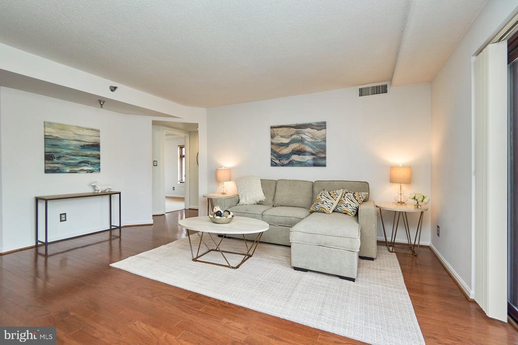 Living Room - 2400 CLARENDON BLVD #214, ARLINGTON