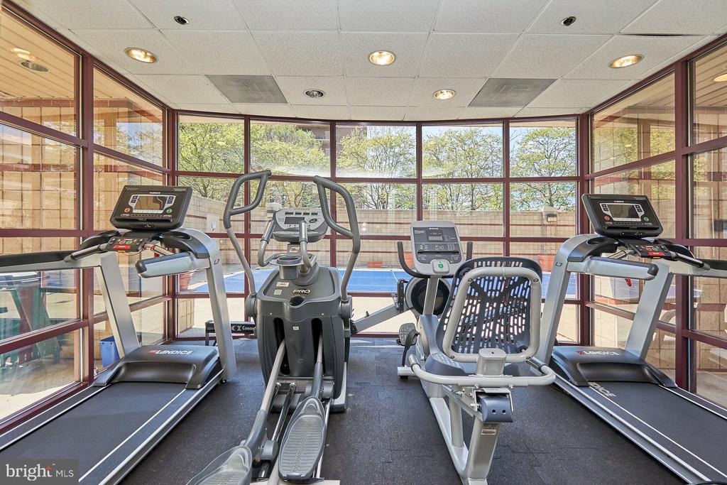 Fitness Center - 2400 CLARENDON BLVD #214, ARLINGTON