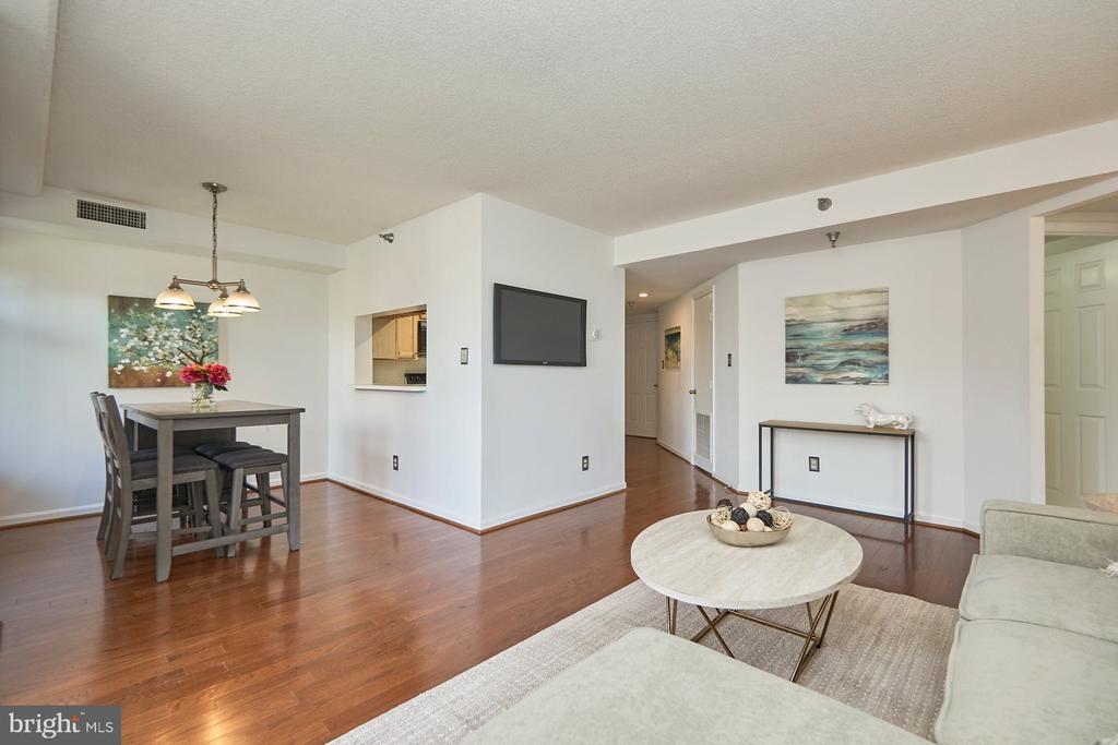 Interior - 2400 CLARENDON BLVD #214, ARLINGTON