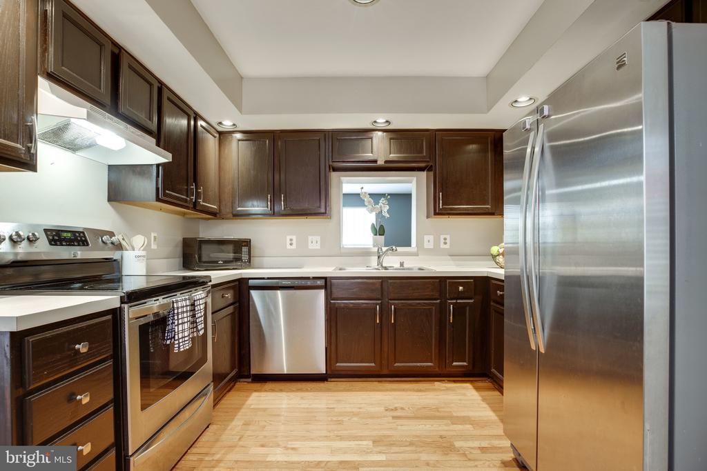 Kitchen - 6514 SHARPS DR, CENTREVILLE