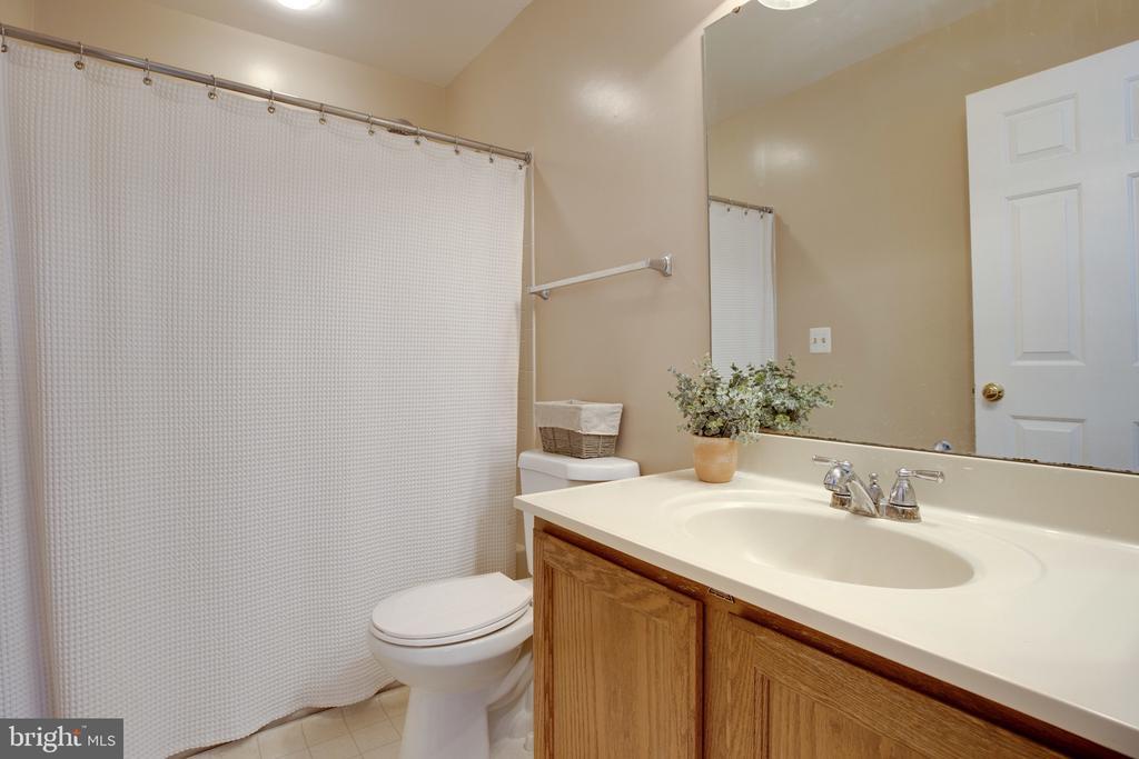 Primary Bathroom - 6514 SHARPS DR, CENTREVILLE