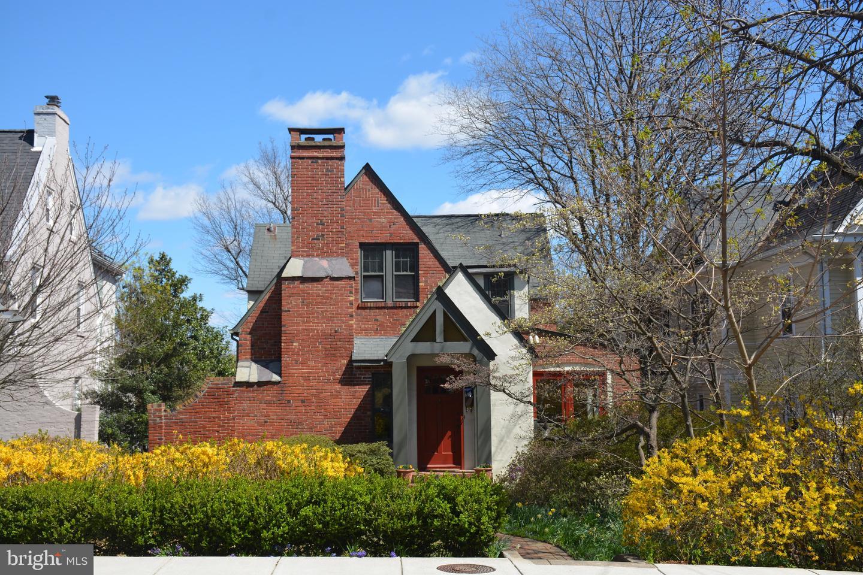 1505 RUSSELL ROAD, ALEXANDRIA, Virginia 22301, 3 Bedrooms Bedrooms, ,3 BathroomsBathrooms,Residential,For Sale,RUSSELL,VAAX258228