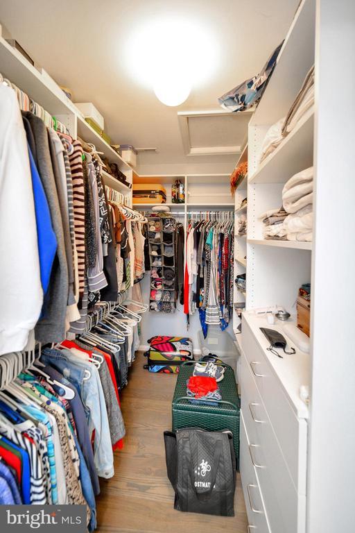 Master closet 1 - 105 JEFFERSON AVE, LOCUST GROVE