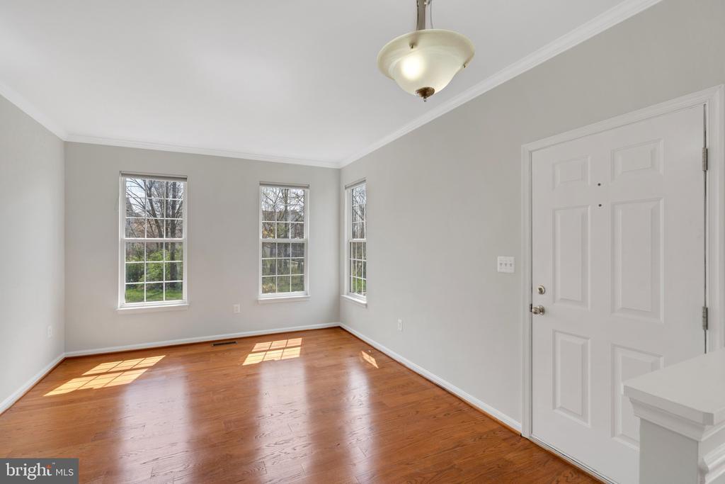 Formal living room - 43446 RANDFIELD LN, CHANTILLY