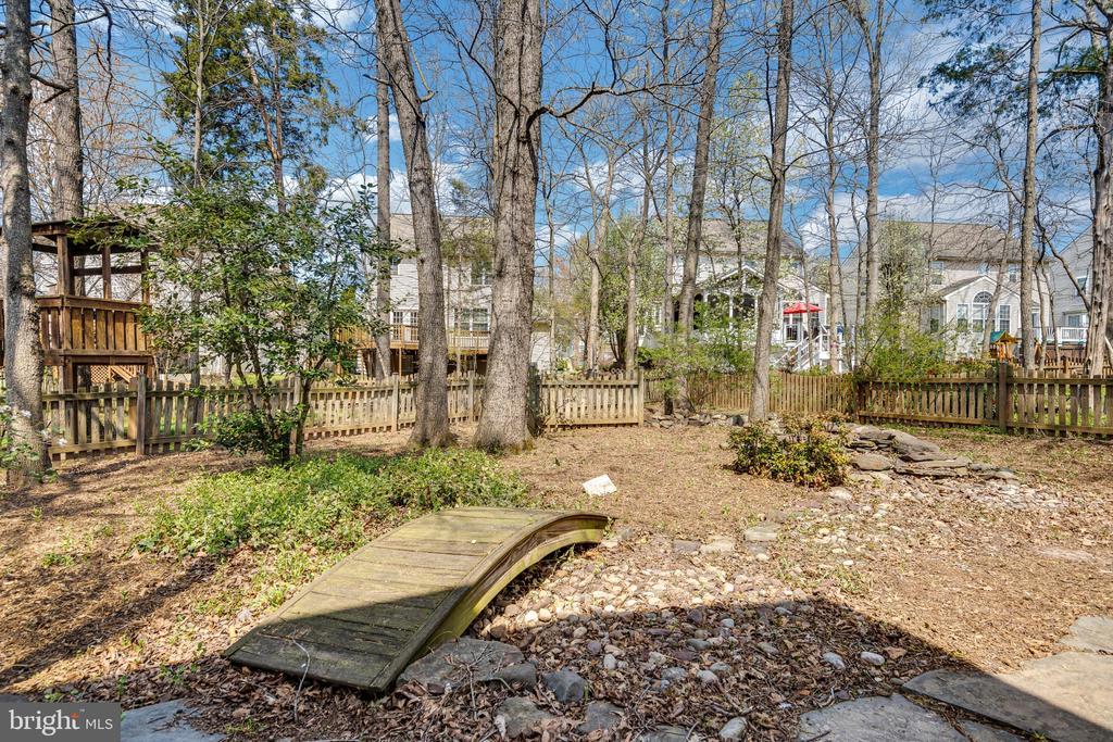 Peaceful and serence back yard - 43446 RANDFIELD LN, CHANTILLY