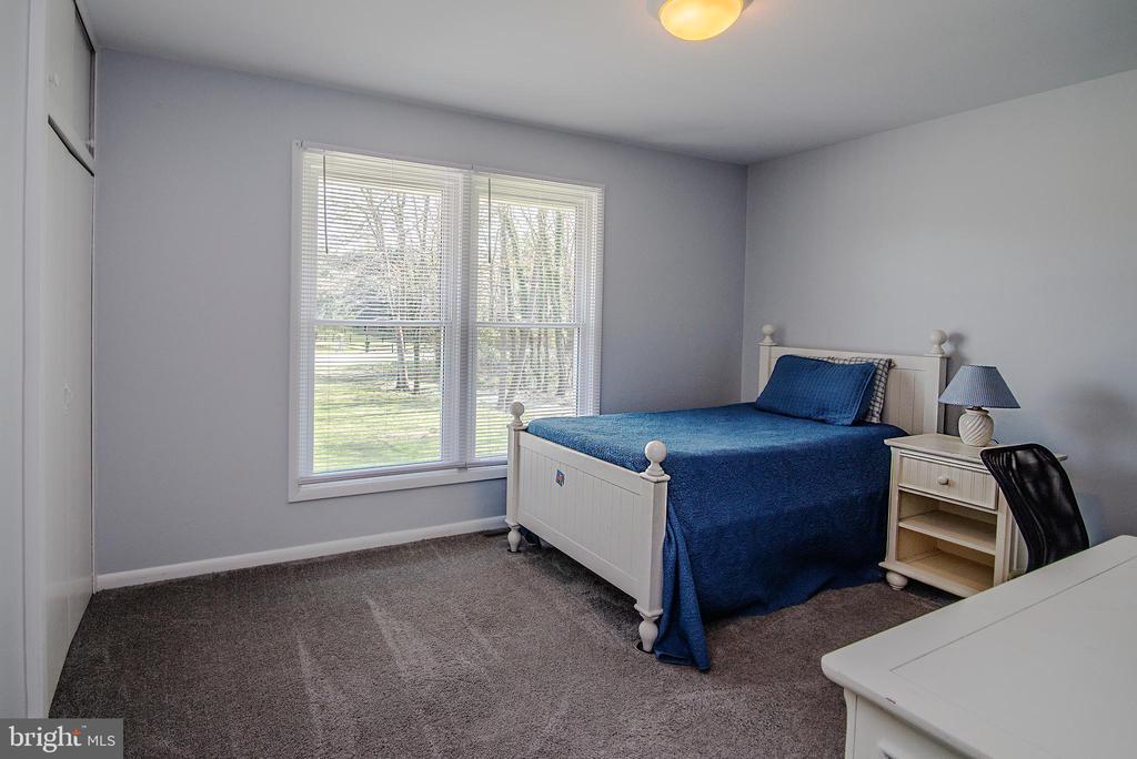 Secondary bedroom. - 463 HARTWOOD RD, FREDERICKSBURG