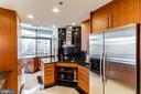 State of the art kitchen - 1530 KEY BLVD #128, ARLINGTON