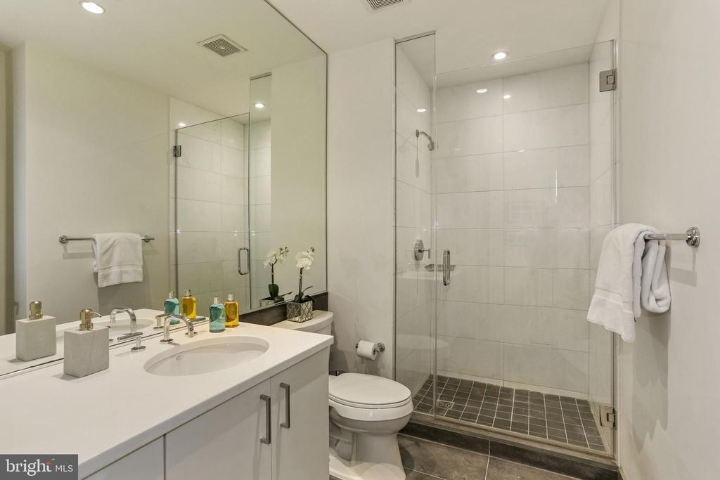 Luxurious second bathroom - 1177 22ND ST NW #4G, WASHINGTON