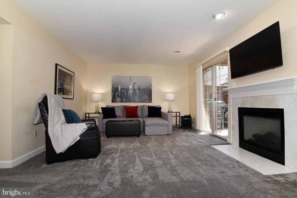 Lower Level with Gas Fireplace. - 47641 WEATHERBURN TER, STERLING