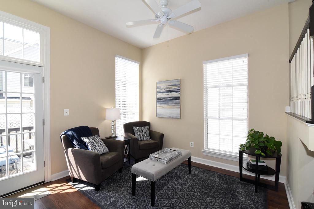 Family Room. - 47641 WEATHERBURN TER, STERLING