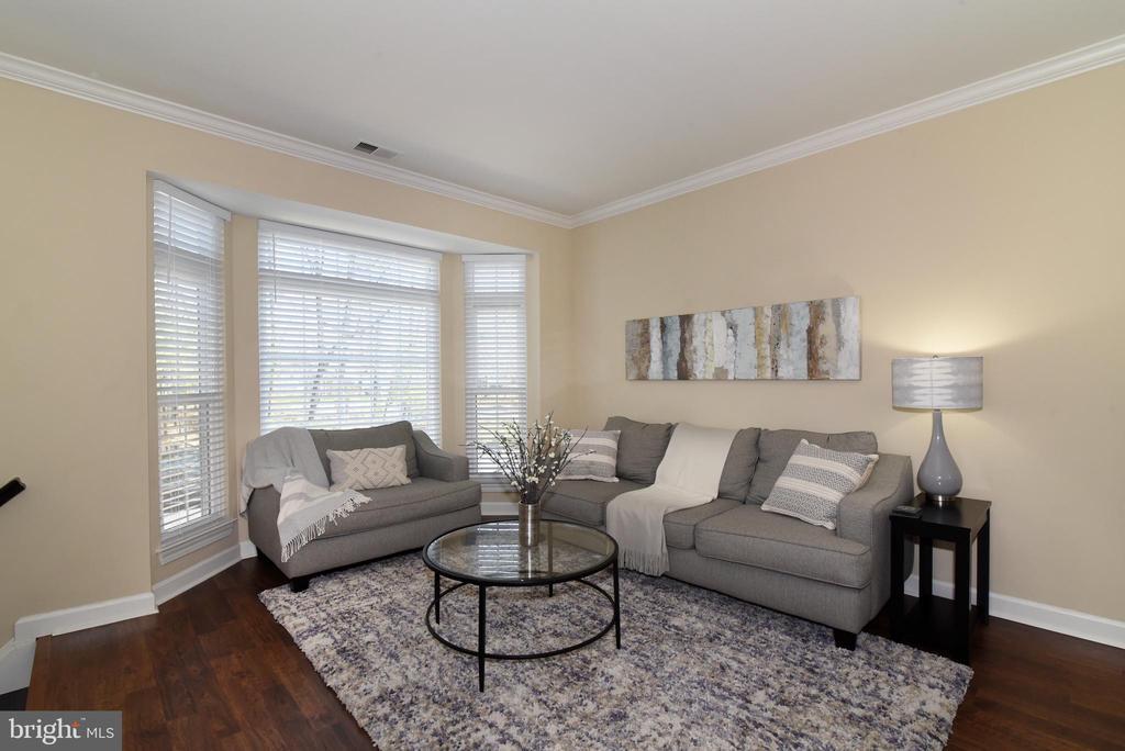 Living Room with Bay Window. - 47641 WEATHERBURN TER, STERLING