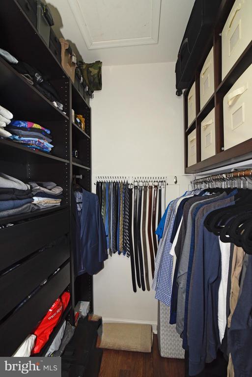 Custom Primary Closet, - 47641 WEATHERBURN TER, STERLING