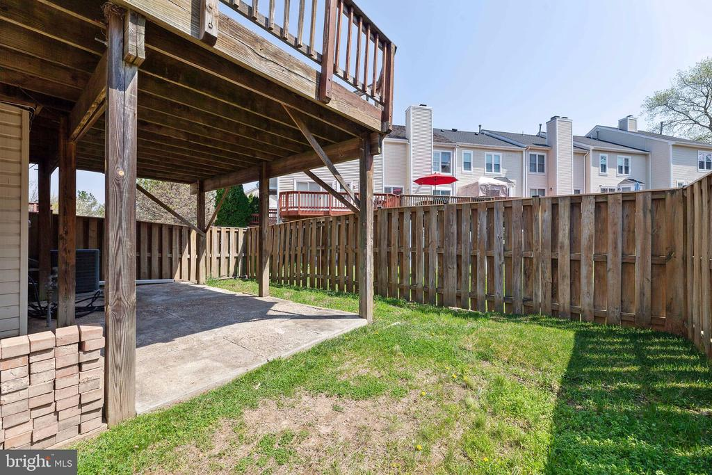 Lower level patio - 6407 BRASS BUTTON CT, CENTREVILLE