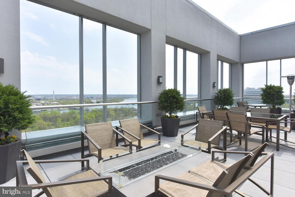Experience the majesty of our nation's capital ! - 1111 19TH ST N #2006, ARLINGTON