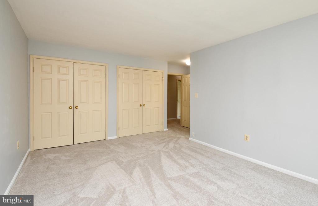 Master bedroom - 5316 DUNLEIGH DR, BURKE