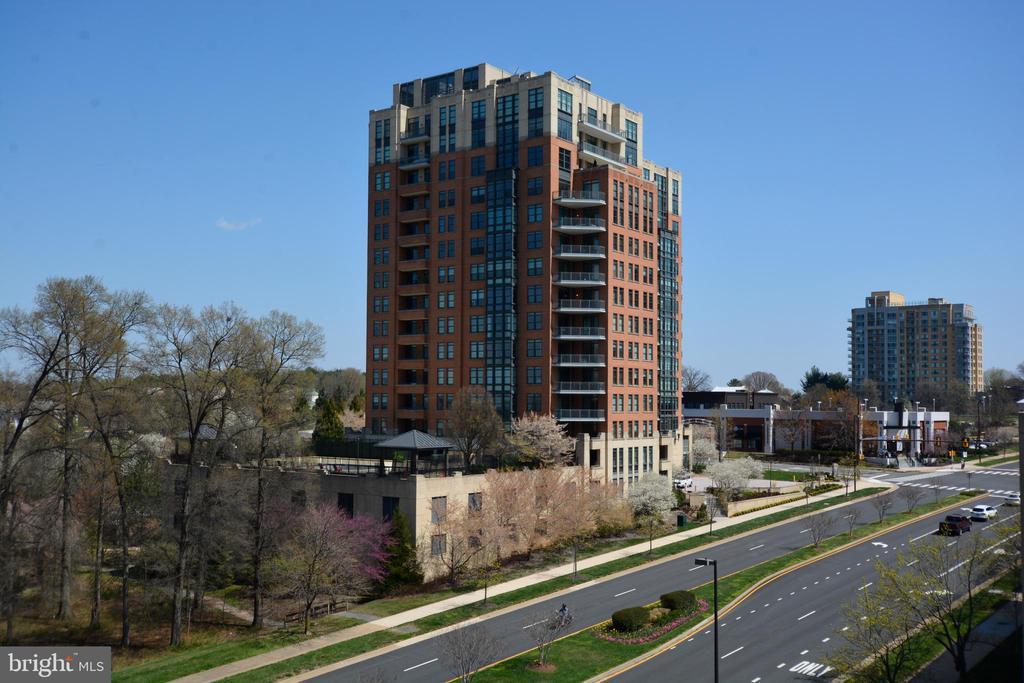 Building - 1830 FOUNTAIN DR #1206, RESTON