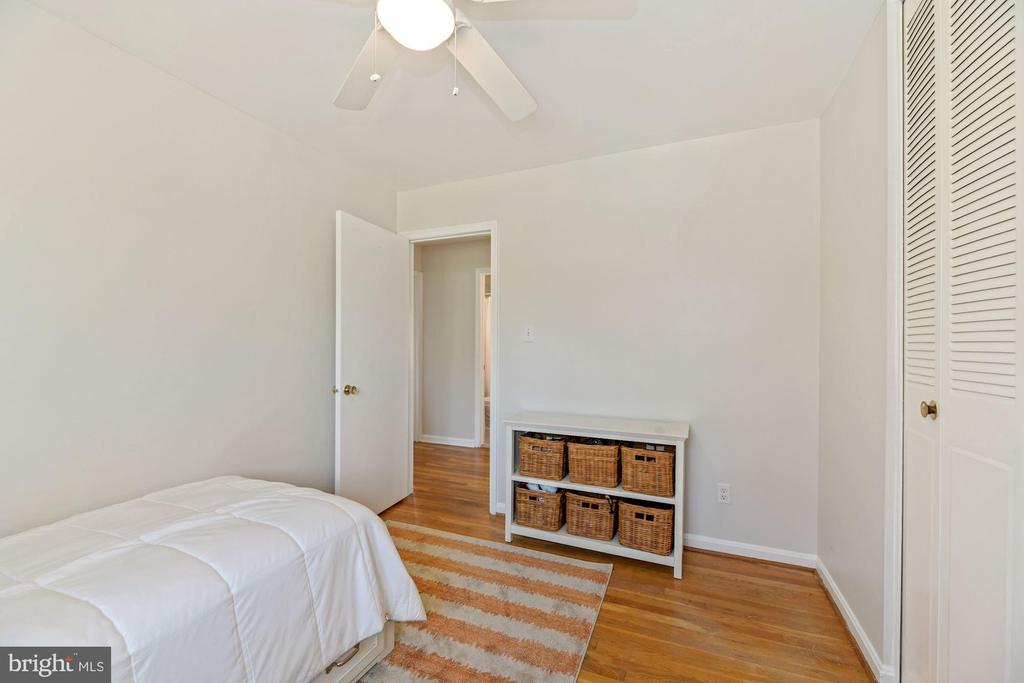 Second Bedroom - 5228 PERTH CT, SPRINGFIELD