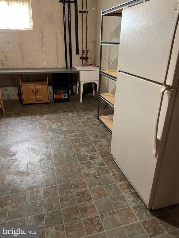 Basement storeroom - 5853 KARA PL, BURKE