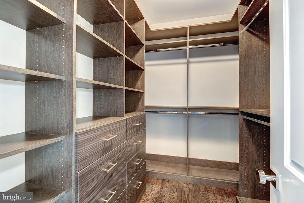 Primary Bedroom Closet - 7205 ELIZABETH DR, MCLEAN