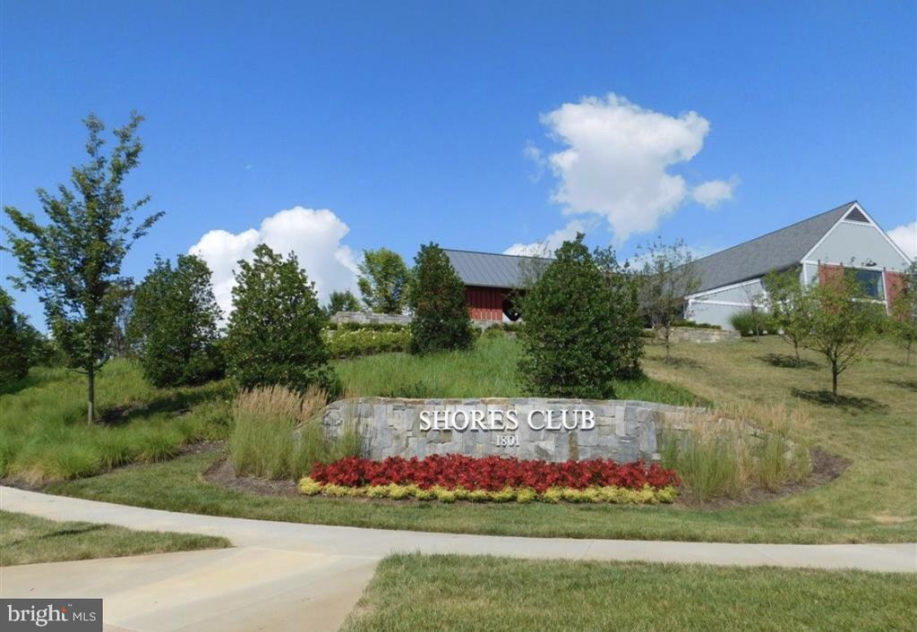 The Shores Club is the heart of the community - 1857 SHADDING BAY LN, DUMFRIES