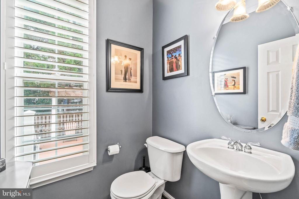 First Floor Half Bath - 4170 MCCLOSKEY CT, CHANTILLY