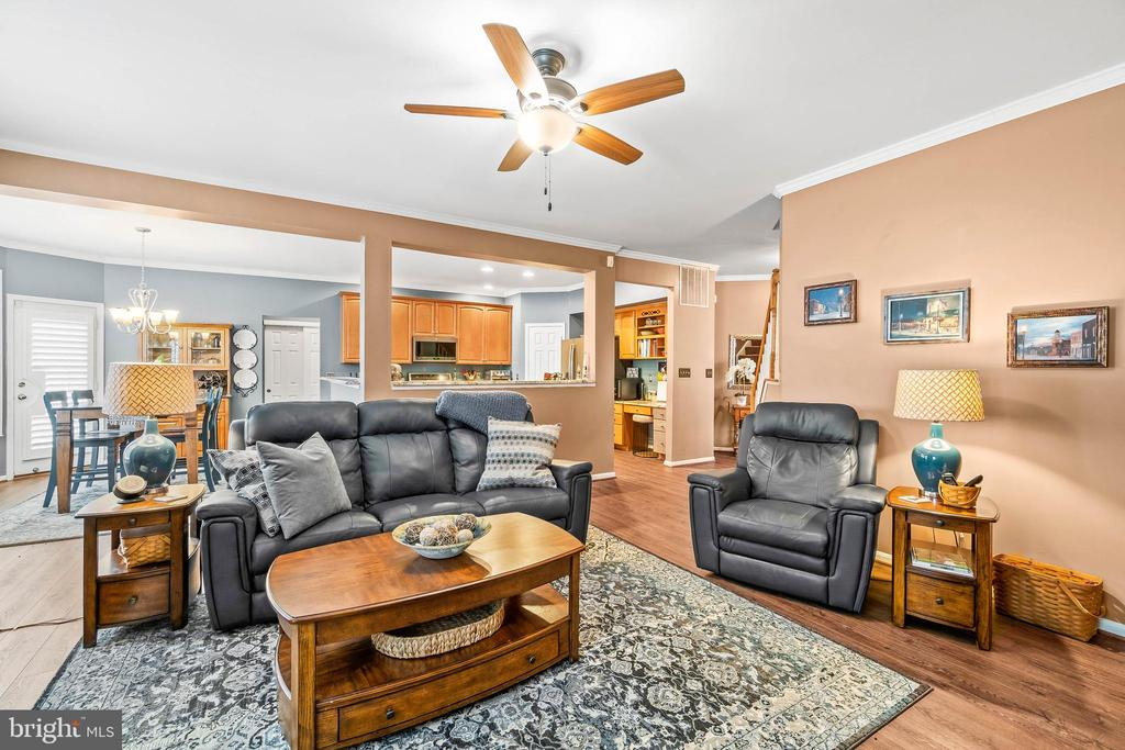 Family Room toward Kitchen - 4170 MCCLOSKEY CT, CHANTILLY