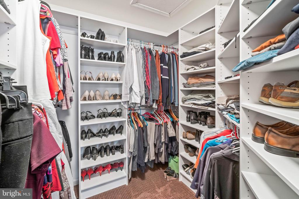 Walk-in Closet in Primary Bedroom - 4170 MCCLOSKEY CT, CHANTILLY