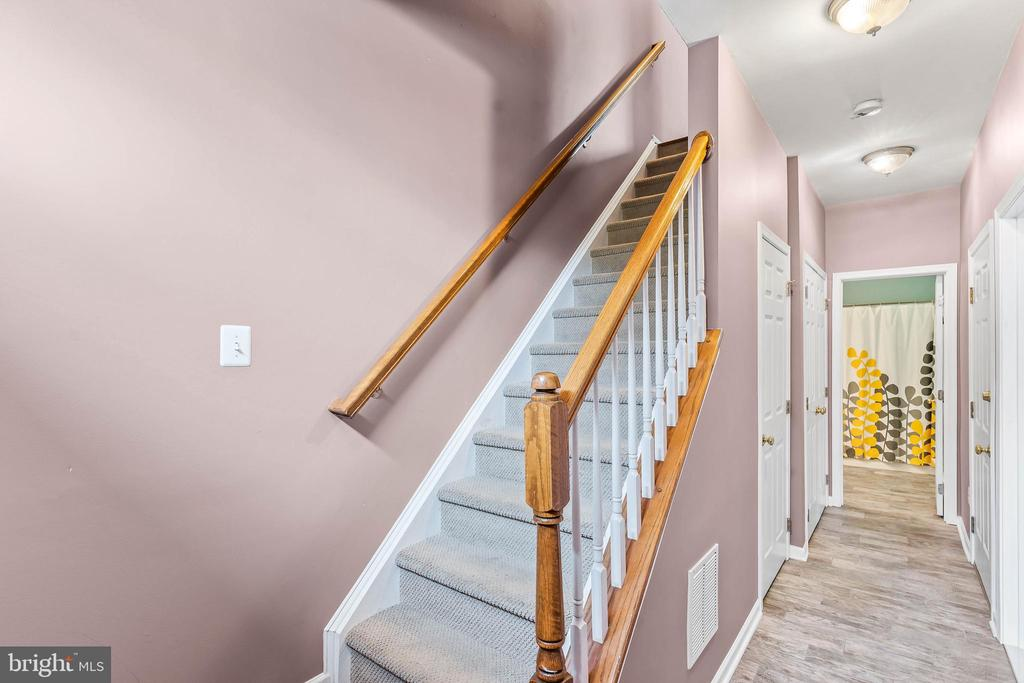 Stairs up to Main Level - 42791 FLANNIGAN TER, CHANTILLY
