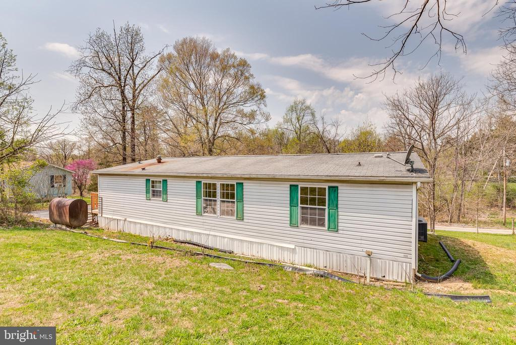 Great space to run and play - 53 CAMP HILL LN, HARPERS FERRY