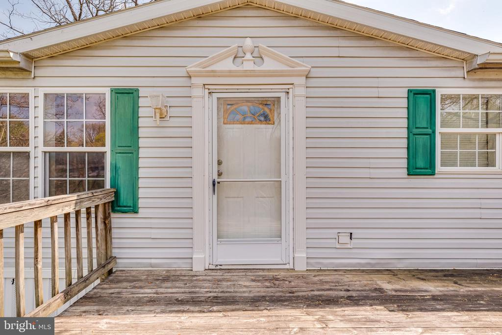 Welcome to your new home! - 53 CAMP HILL LN, HARPERS FERRY