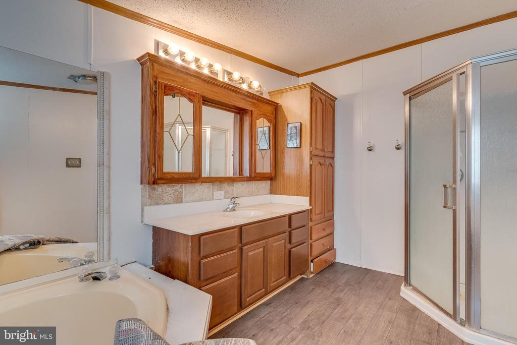 vanity, a stall shower for busy days, and - 53 CAMP HILL LN, HARPERS FERRY