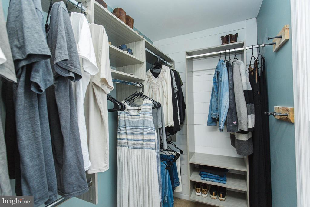 Fitted closet to keep you organized - 2 SNOW MEADOW LN, STAFFORD