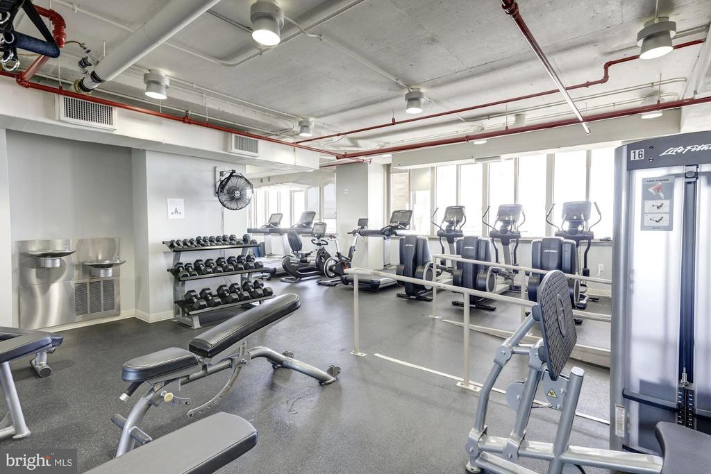 State-of-the-art Gym - 888 N QUINCY ST #802, ARLINGTON