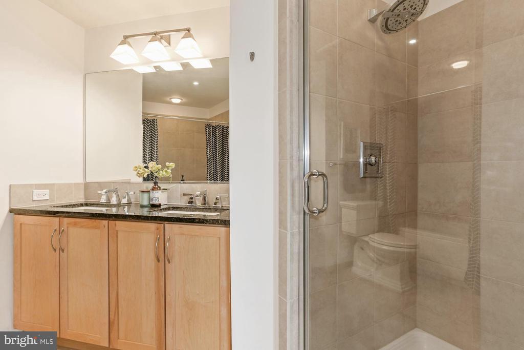 Primary bathroom with new rain shower head - 888 N QUINCY ST #802, ARLINGTON