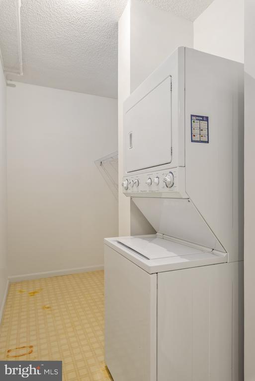 Laundry has extra storage! - 19375 CYPRESS RIDGE TER #516, LEESBURG