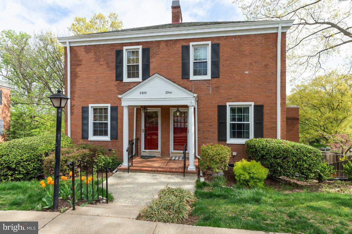 2941 DINWIDDIE STREET, ARLINGTON, Virginia 22206, 2 Bedrooms Bedrooms, ,1 BathroomBathrooms,Residential,For Sale,Fairlington Village,DINWIDDIE,1,VAAX258326