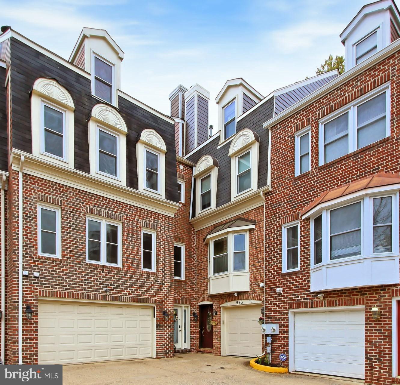 689 GLEBE ROAD, ALEXANDRIA, Virginia 22305, 4 Bedrooms Bedrooms, ,4 BathroomsBathrooms,Residential,For Sale,Courtland Manor at Sunnyside,GLEBE,VAAX258192