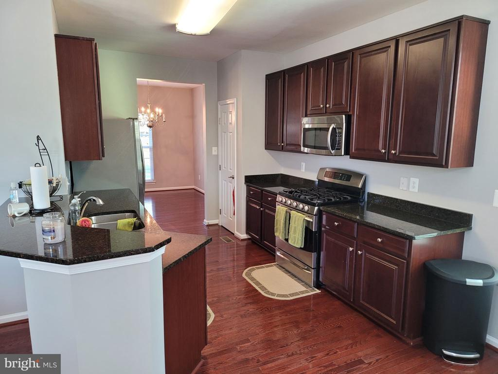 Kitchen - 43023 TIPPMAN PL, CHANTILLY