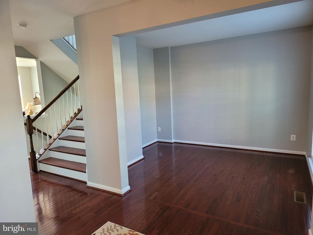 Living Room - 43023 TIPPMAN PL, CHANTILLY