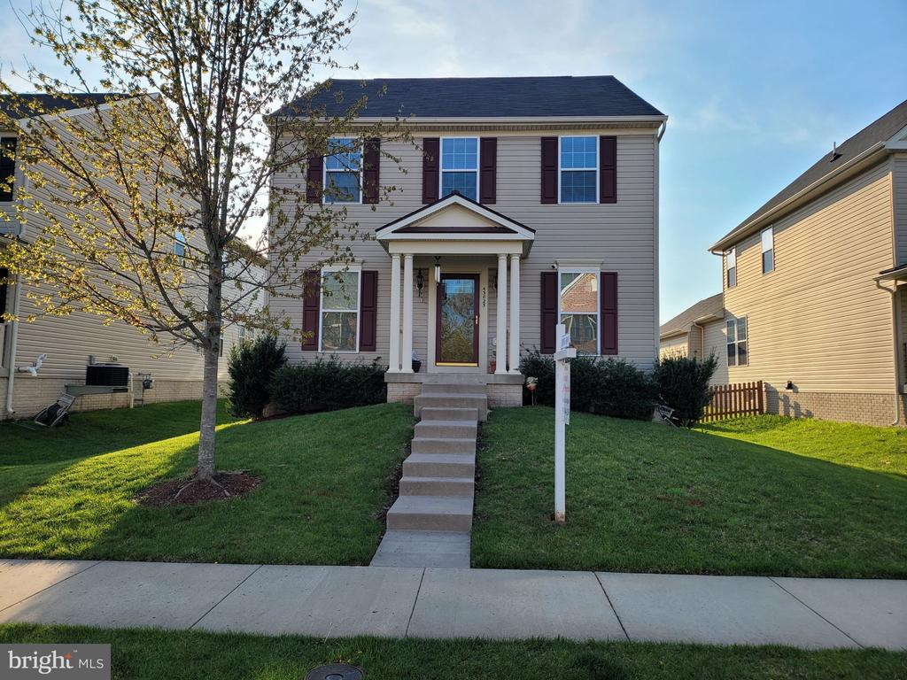 Welcome Home! - 43023 TIPPMAN PL, CHANTILLY