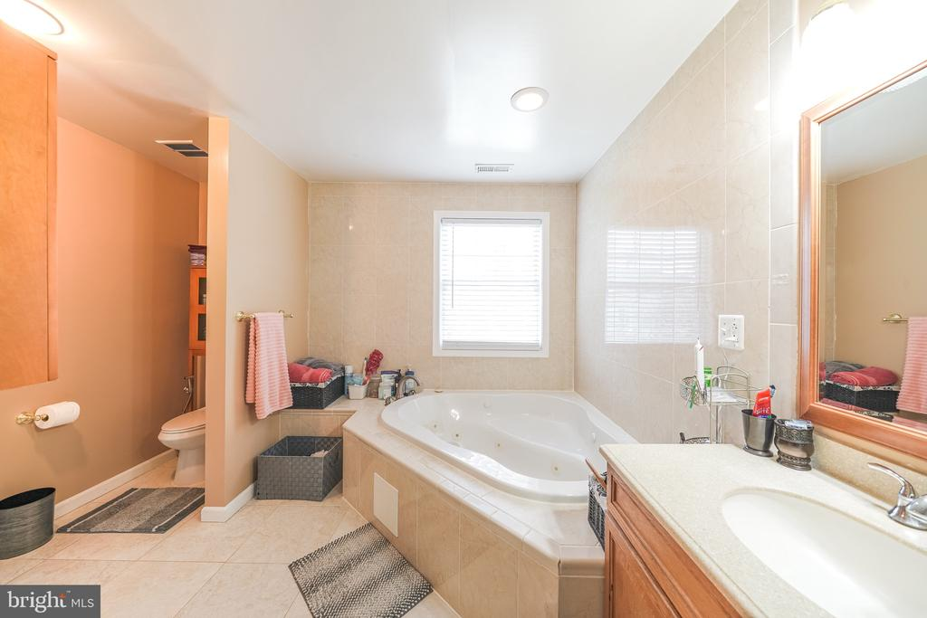 MB BATH VIEW - 11505 VEIRS MILL RD, SILVER SPRING