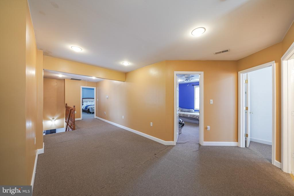 UPSTAIRS FOYER - 11505 VEIRS MILL RD, SILVER SPRING
