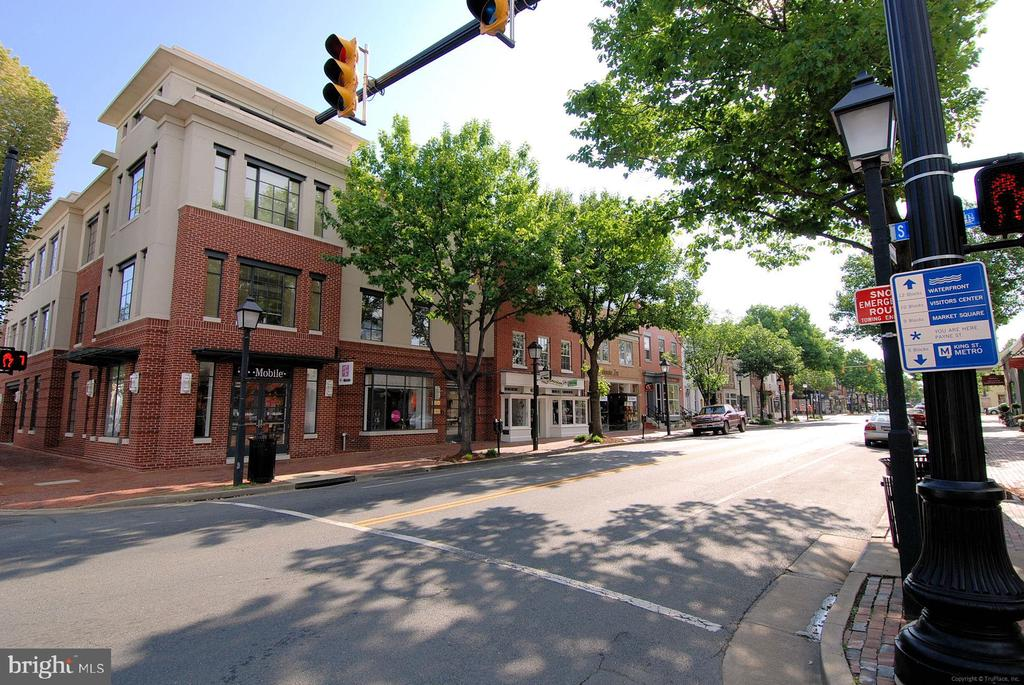 Old Town is a quick 6 minute drive - 301 W GLENDALE AVE, ALEXANDRIA