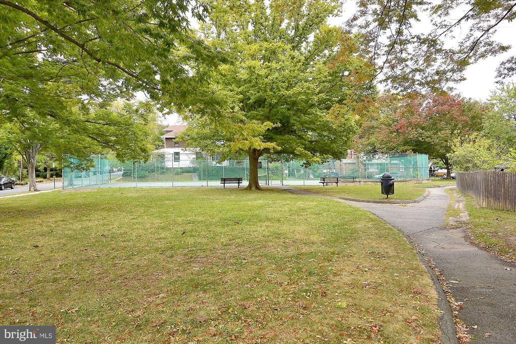 Rosemont Park - 301 W GLENDALE AVE, ALEXANDRIA