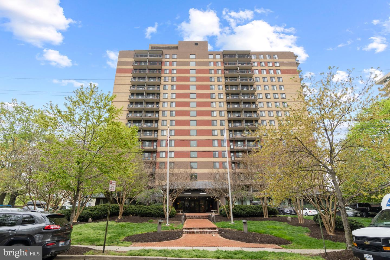801 PITT STREET, ALEXANDRIA, Virginia 22314, 1 Bedroom Bedrooms, ,1 BathroomBathrooms,Residential,For Sale,PITT,11,VAAX258404