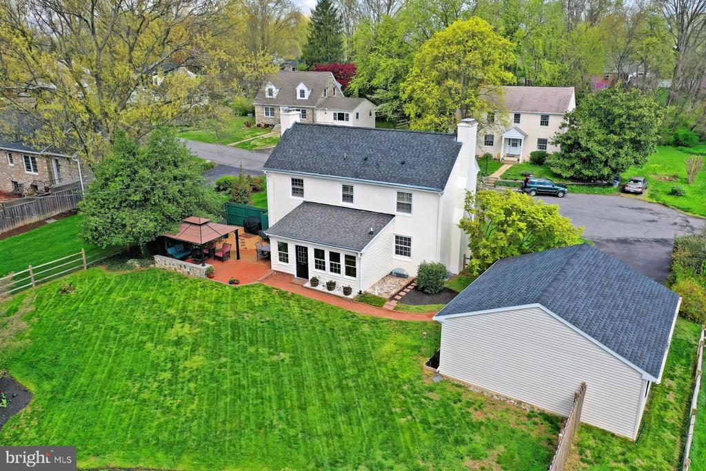 - 800 W HOLLY LN, PURCELLVILLE