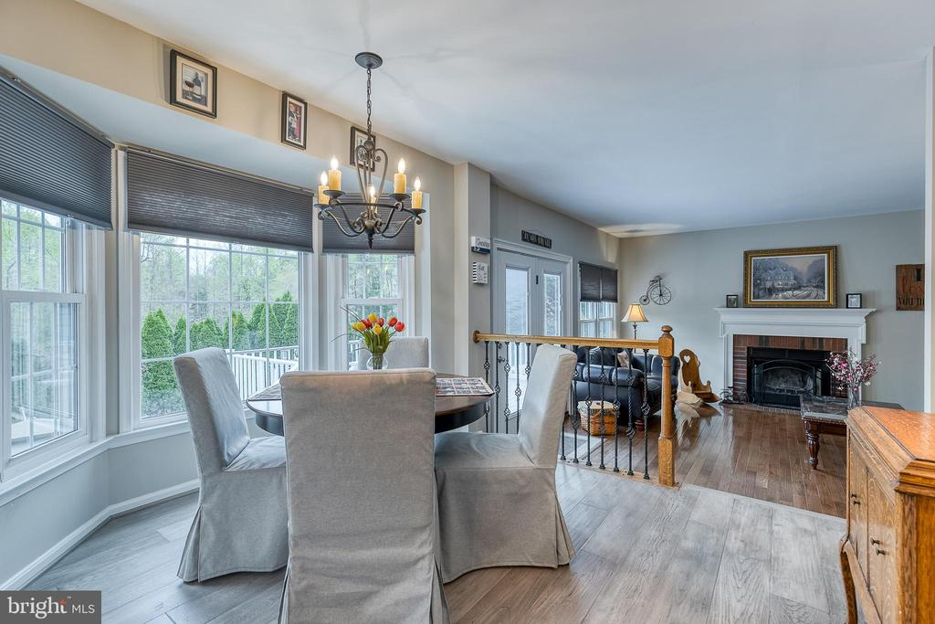 Eat-in area with bay window - 54 CHRISTOPHER WAY, STAFFORD