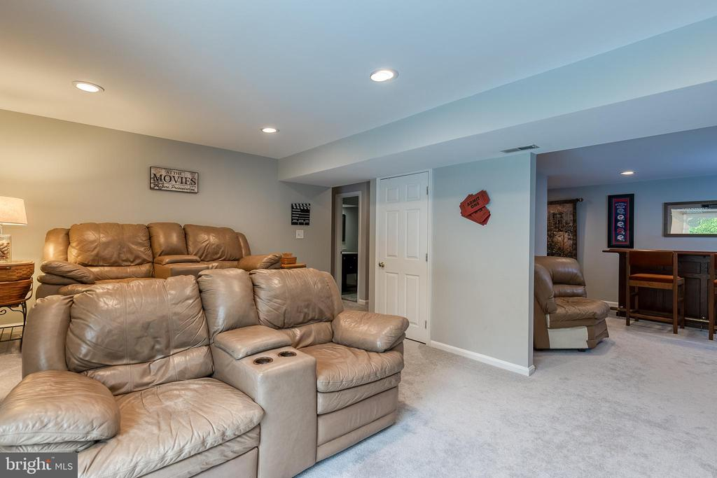 Movie theater room - 54 CHRISTOPHER WAY, STAFFORD